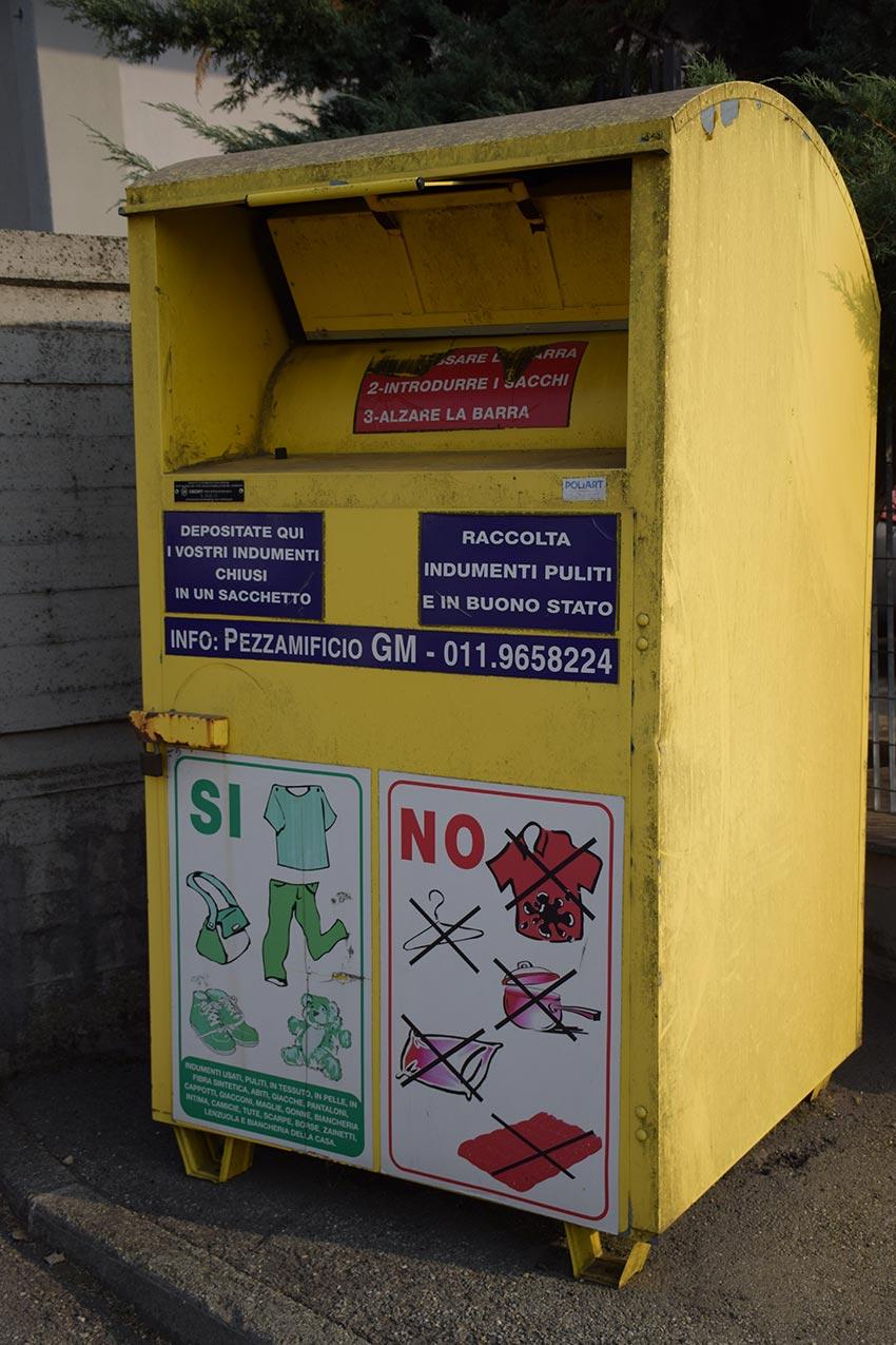 Recupero di indumenti usati e stracci a La Loggia Torino ... 65757f4f65d